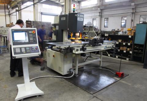 MÁY ĐỘT LỖ CNC MODEL HPM 175 SAHINLER