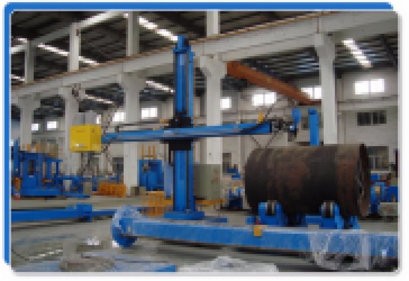 Máy hàn cần cột – chuyên dùng trong sản xuất bồn bể đường ống