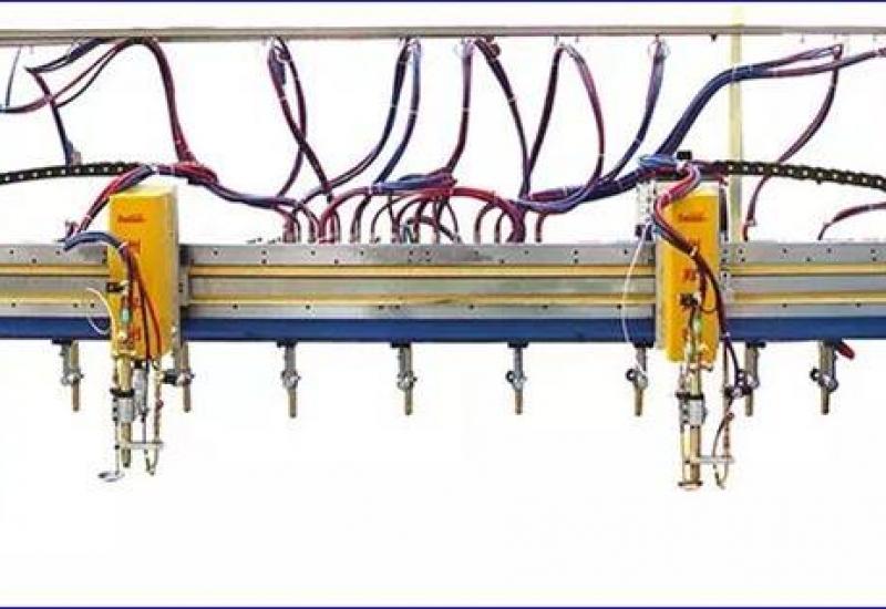 Máy cắt pha băng nhiều mỏ cắt
